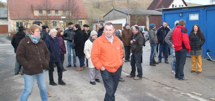Eine der Stationen im Dorf, der neue vorübergehende Jugendtreff am Breitbach