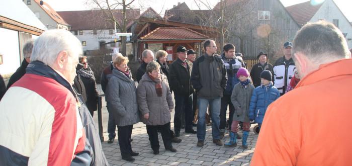 Spaziergang durch Nenzenheim mit Erkläungen und Diskussion zur Dorferneuerung