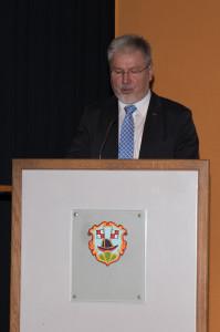 Hausherr und Bürgermeister Josef Mend begrüsste die Gäste zum Neujahrsempfang in der Karl-Knauf-Halle